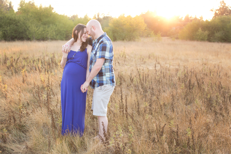 Puyallup Maternity Photographer | sunset maternity session