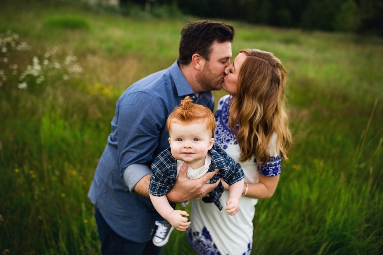 tacoma family photographer | Family photography session puyallup